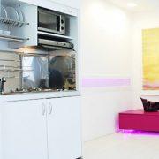 Armadio cucina da 125 cm, controparete d'acciaio