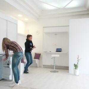 cucina armadio compact 186 composta dalla compact 125 + colonna lavatrice, allestibile con i ripiani o elettodomestivi di interesse e nelle eventuali dimensioni personalizzate