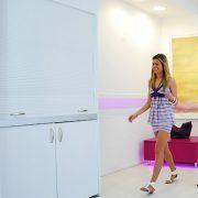 Cucina armadio da 125 cm di larghezza, apertura a serranda