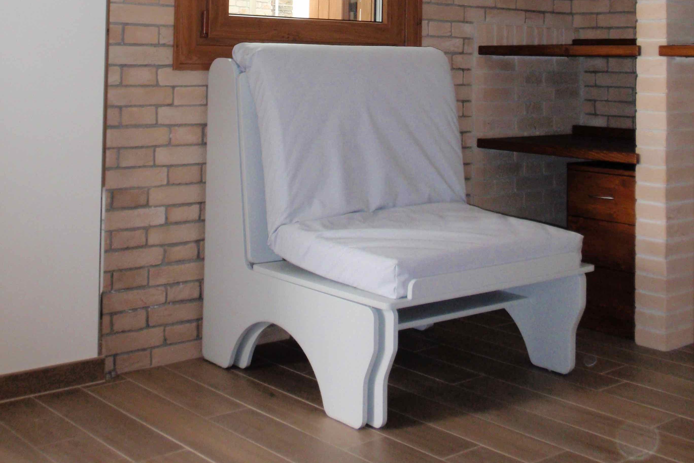 Poltrona letto nini 39 vivilospazio mobili trasformabili for Poltrona letto mercatone uno
