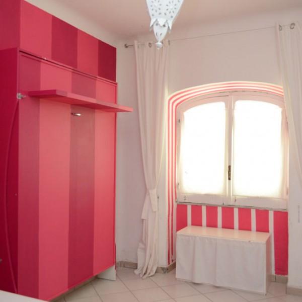 solo 25cm la profondità dei fianchi dei letti a parete