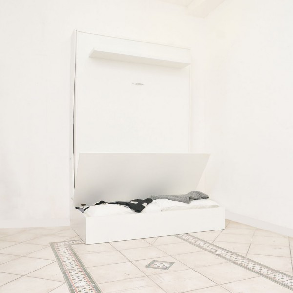 letto a parete e divano