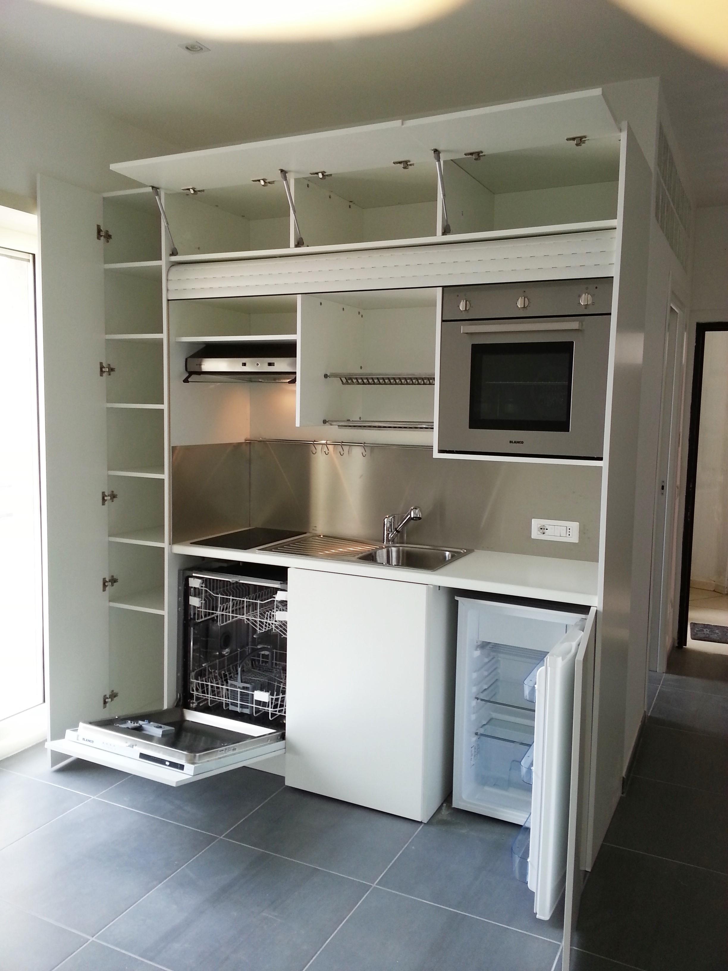 Cucina completa di tutto lavastoviglia forno in armadio compact con - Armadio cucina monoblocco ...