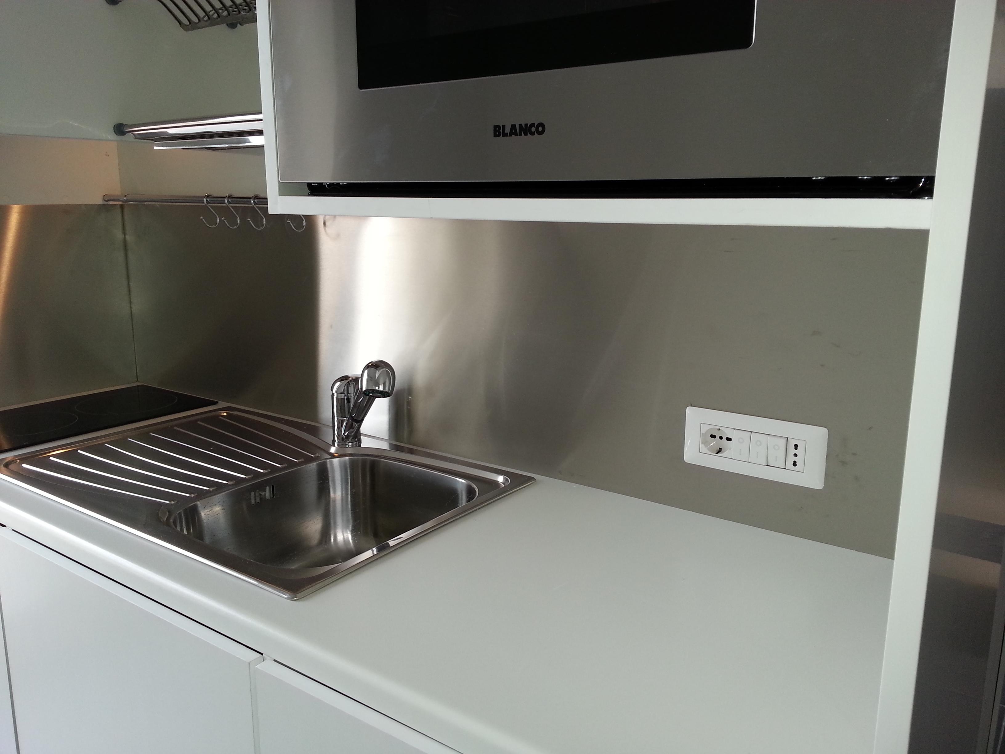 Cucina completa in armadio compact art.246 con serranda ...