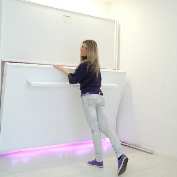 apertura e chiusura del letto a parete