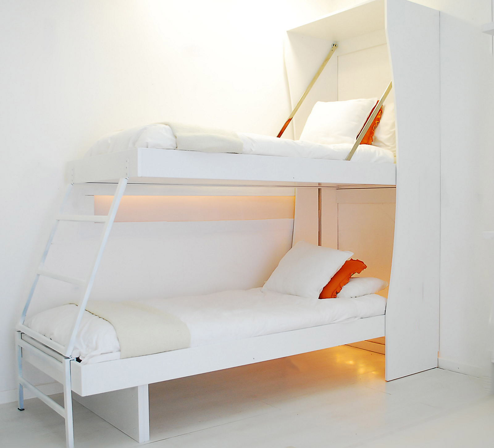 Cucina armadio 125 abbinata al letto matrimoniale e letto for Letto a castello basso