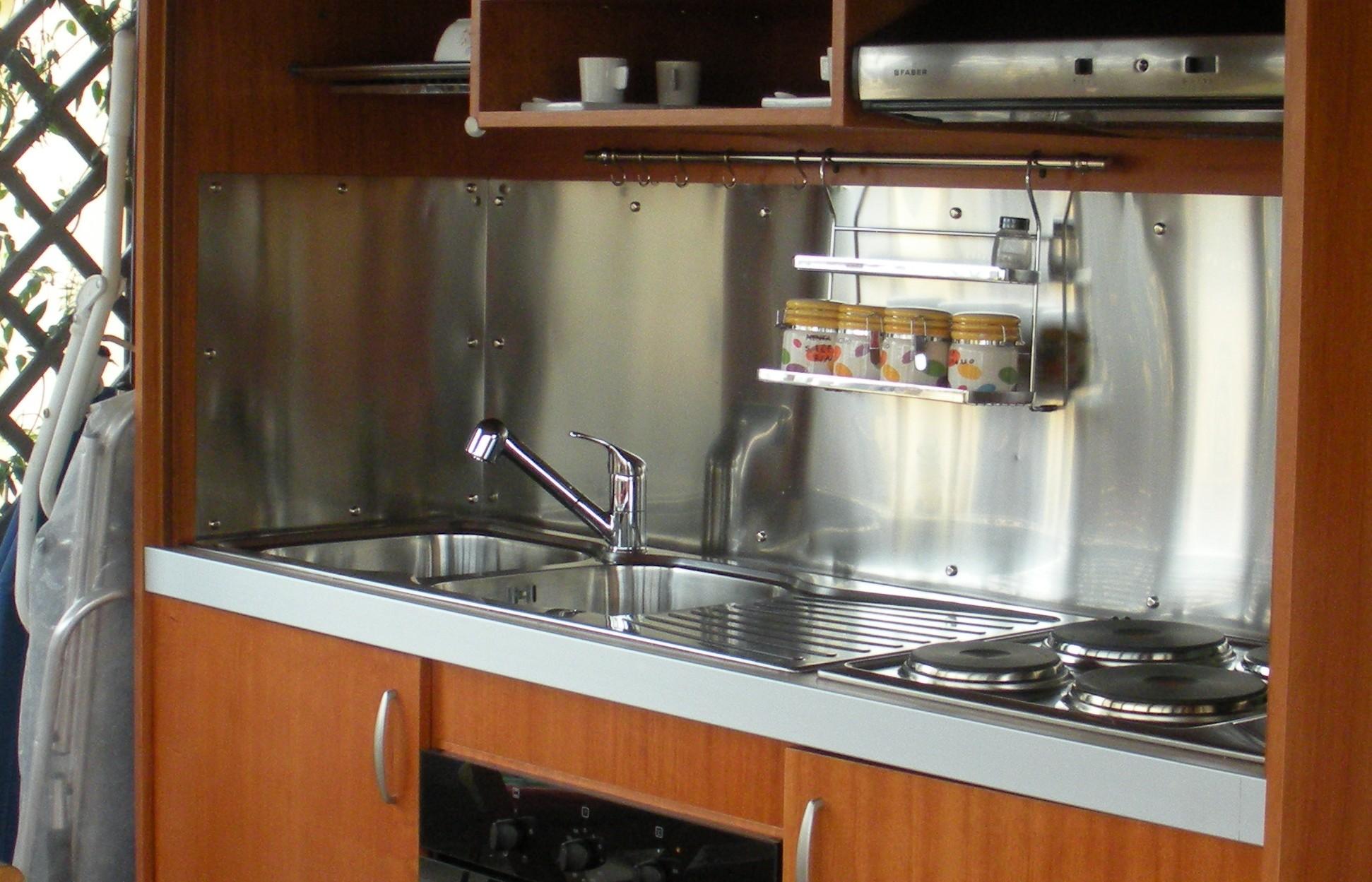 mini cucina chiudibile ,Mini kitchen – vivilospazio - mobili ...
