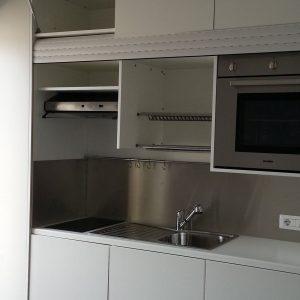 cucina armadio con il forno a scomparsa