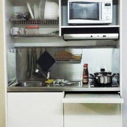cucina a scomparsa night & day con ripiano estraibile, vista aperta