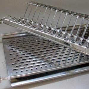 scolapiatti in acciaio inserito di serie in tutte le cucine armadio