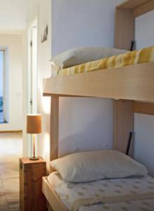 Camere Letto A Castello.Soluzioni D Arredo Per Camere Hotel Letto A Castello Salvaspazio